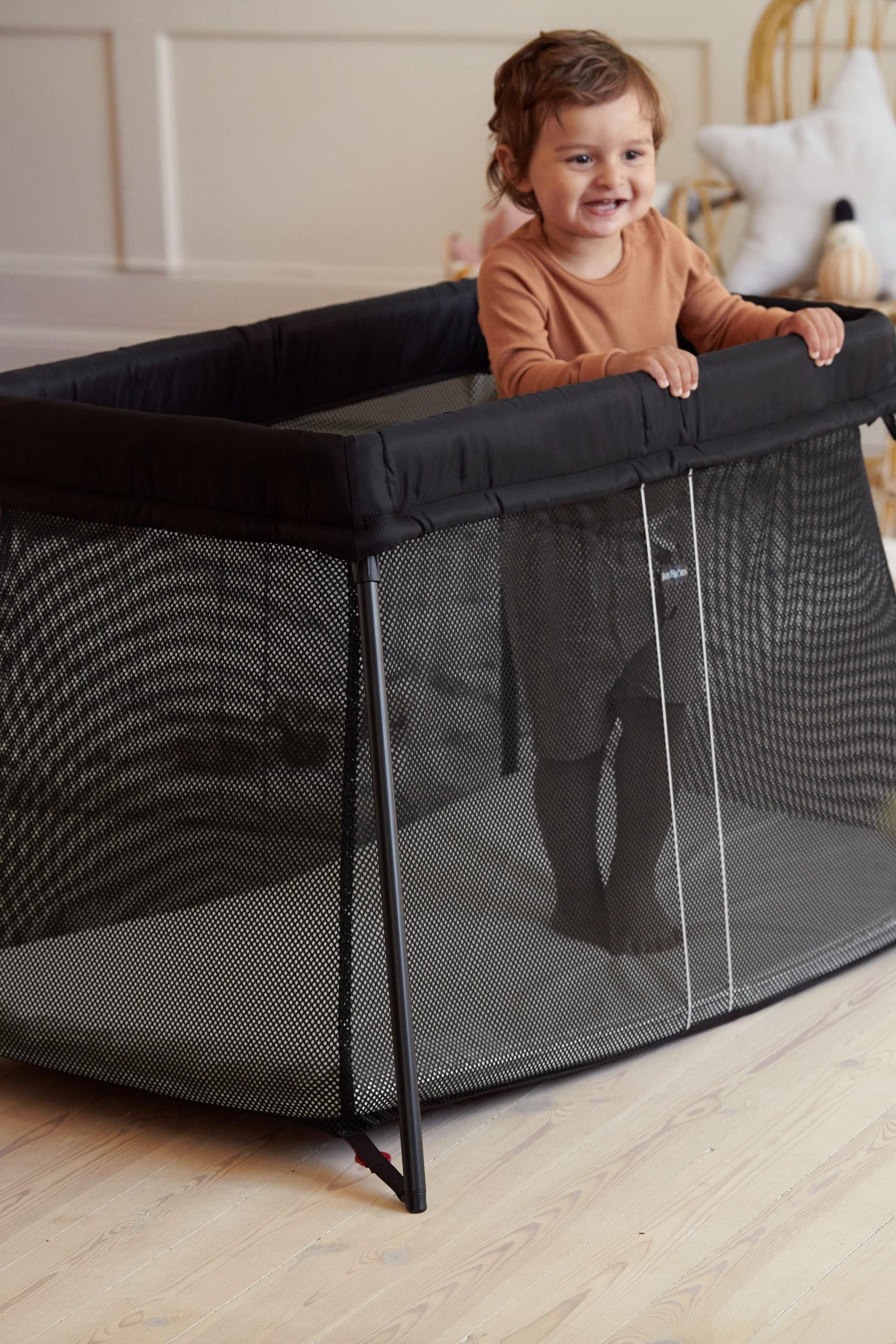 Handy Travel Crib In A Classic Design Babybjorn