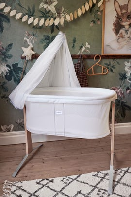 Cradle white in Mesh and wood - BABYBJÖRN