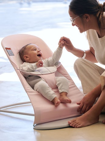 Bouncer balance soft pink gray cotton from Babybjorn