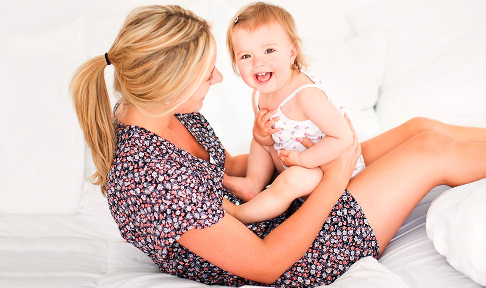 BABYBJÖRN Magazine – Infant attachment: The mother-child bond can be strengthened in many ways.