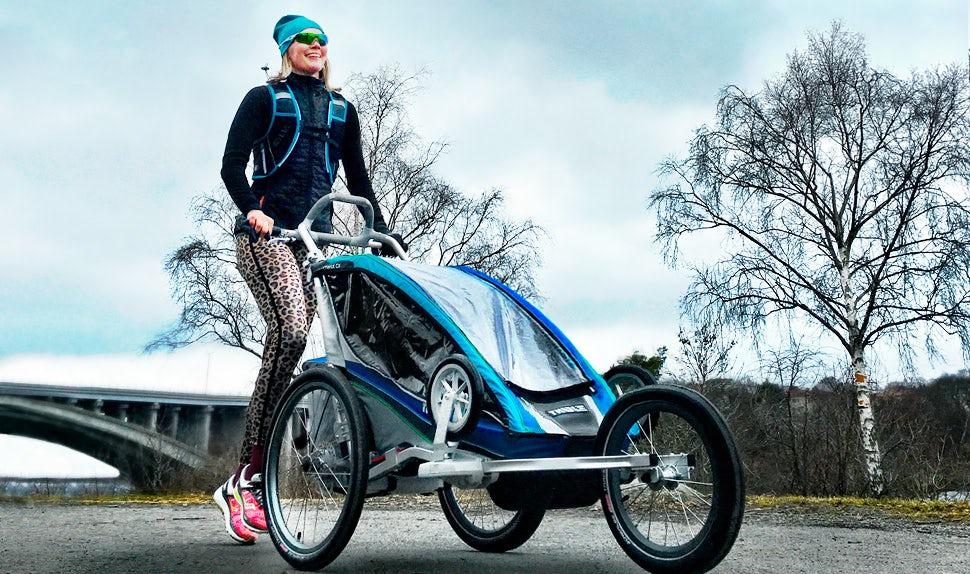 Magazine BABYBJÖRN – Petra Månström s'entraîne à la course à pied après la grossesse.