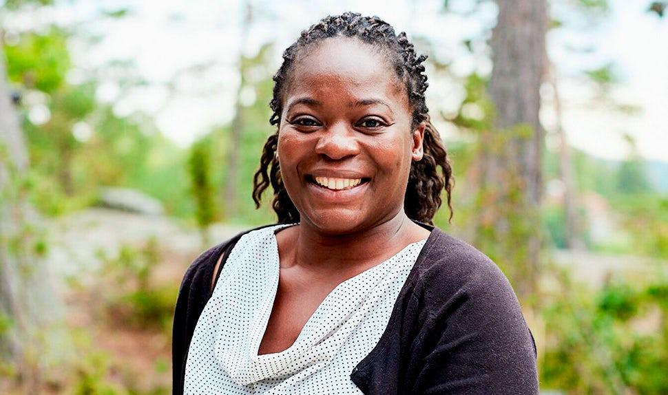 BABYBJÖRN Magazine – International Babywearing Week, Arlette Tsimba.