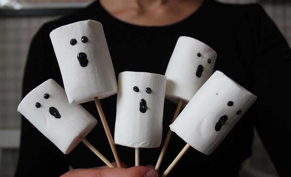 halloween-godis-ghost