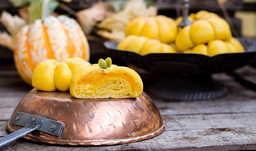 BABYBJÖRN Magazine – De délicieux petits pains au potiron pour Halloween !