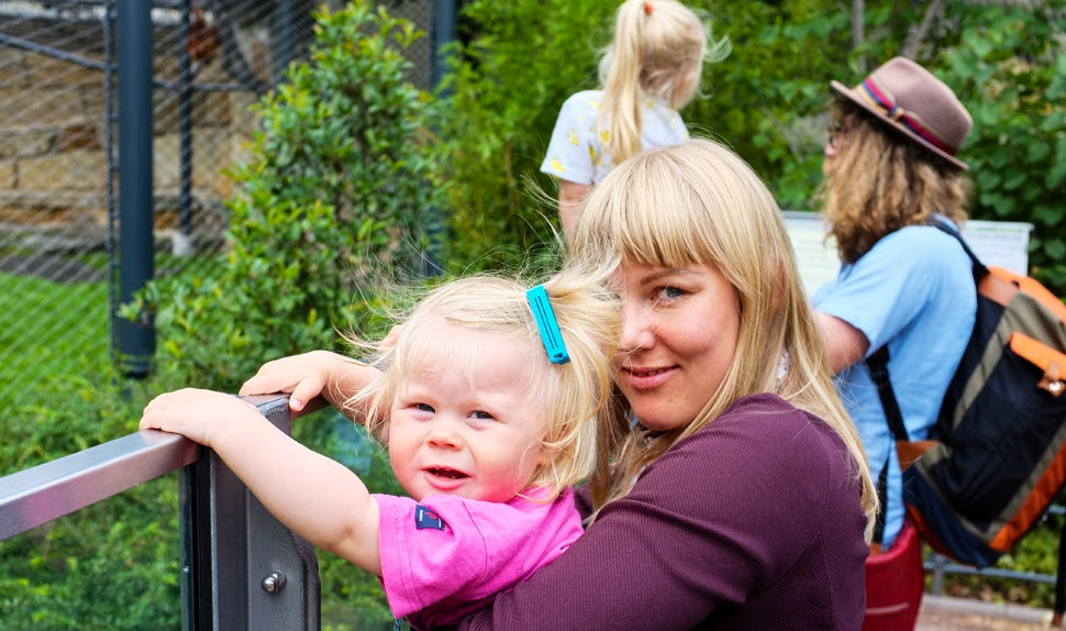 BABYBJÖRN Magazine for Parents – Parent of young children and feature writer Maria Hellbjörn on an outing with her family.