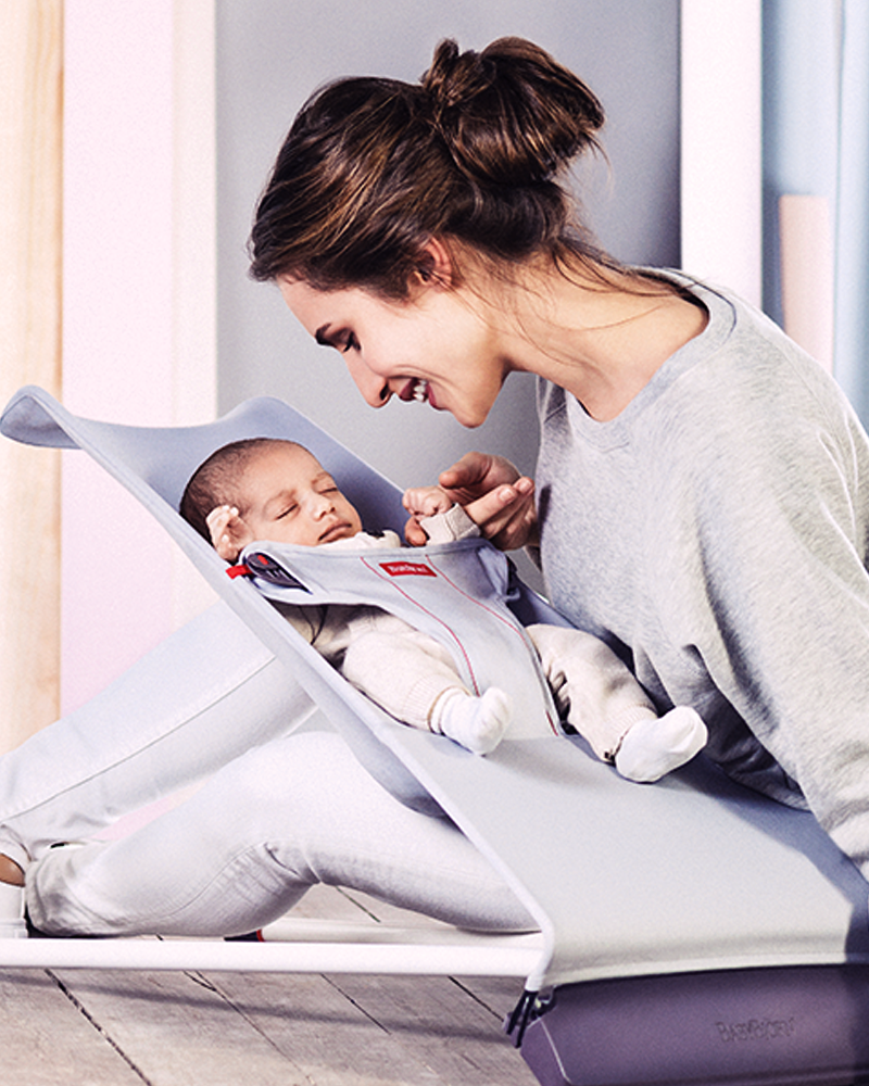 how to use baby bjorn with newborn