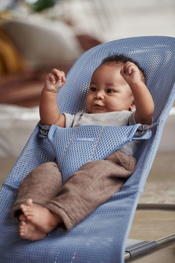 Bouncer Bliss Slate Blue soft and airy Mesh - BABYBJÖRN
