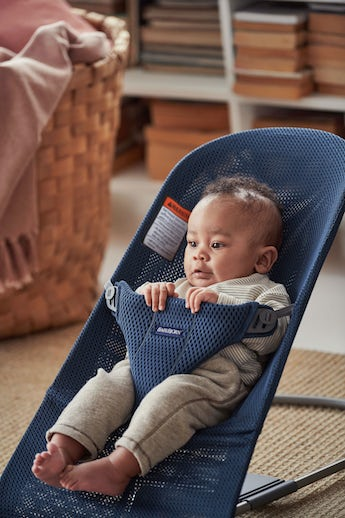 Bouncer Bliss Navy Blue in airy and soft mesh - BABYBJÖRN