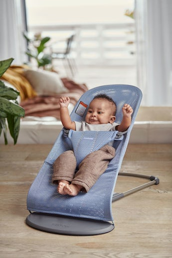Bouncer Bliss Slate Blue in airy and soft mesh - BABYBJÖRN