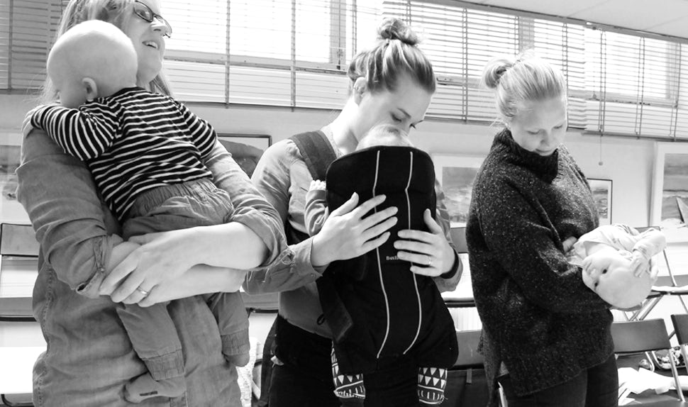 BABYBJÖRN Magazine – Three babywearing moms.