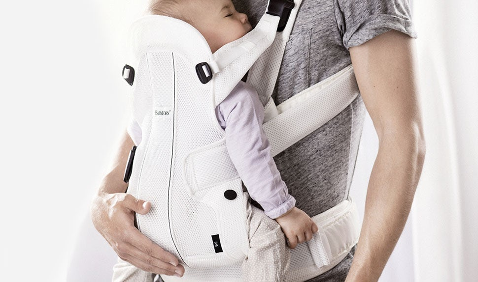 Choosing An Ergonomic Baby Carrier Babybjorn