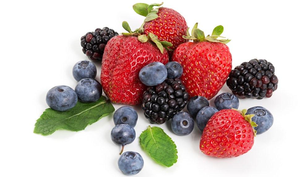 Magazine BABYBJÖRN – Les fraises, les myrtilles et les framboises sont bonnes pour votre peau après une grossesse.