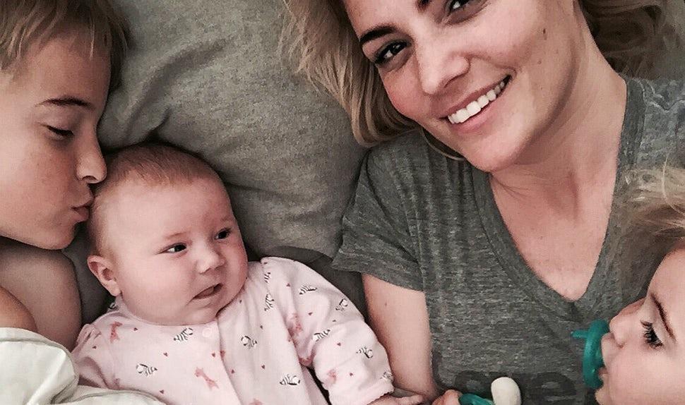 BABYBJÖRN Magazine – Stylist and model Karla Reed with her three children.