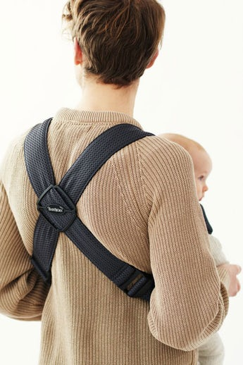BABYBJÖRN Baby Carrier Mini, Anthracite, 3D Mesh, perfect first baby carrier for a newborn.