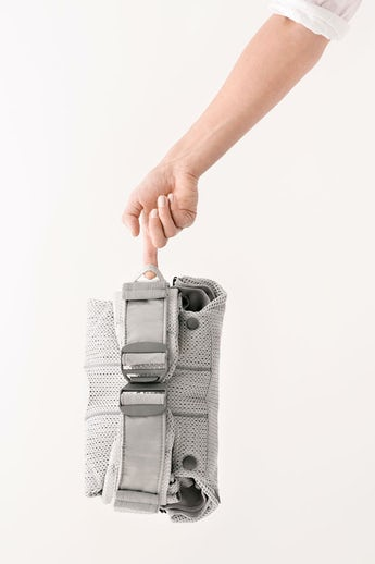 BABYBJÖRN Baby Carrier One Air Silver in airy 3D Mesh - for newborn, facing in, facing out or backcarrying