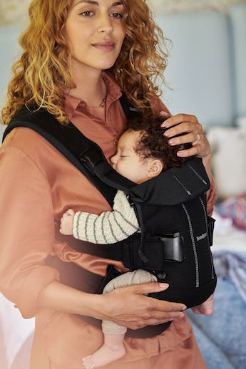 Baby Carrier One Black Cotton - 4 positions, facing in, facing out, newborn and back carrying BABYBJÖRN