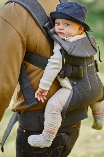 Baby Carrier One with 4 positions, facing in, facing out, newborn and back carrying - BABYBJÖRN