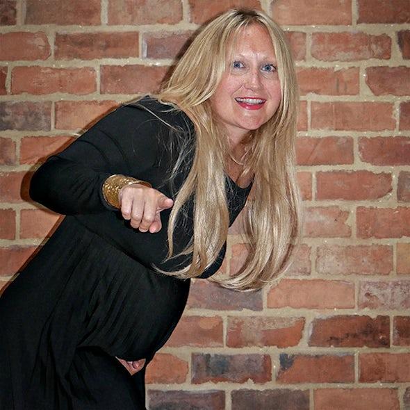 BABYBJÖRN Magazine – Ruth Davies Knowles from Rocknrollerbaby writes about breastfeeding.