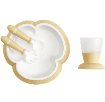Baby feeding set with smart design makes self-feeding easy, Powder yellow - BABYBJÖRN