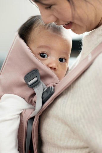 Baby Carrier Mini in Dusty Pink soft Cotton - BABYBJÖRN