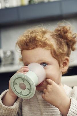Baby Cup Powder Green, 2-pack - BABYBJÖRN