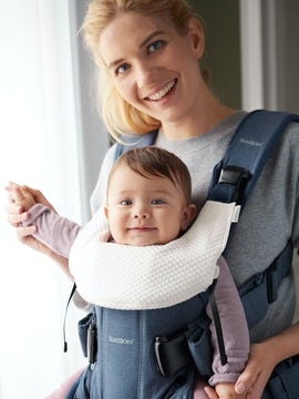 Bib for Baby Carrier One - BABYBJÖRN