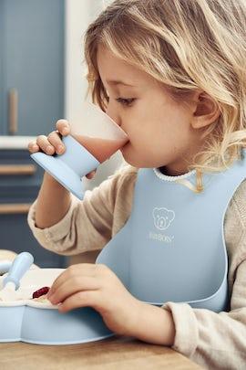 Baby Dinner Set Powder Blue in BPA-free plastic - BABYBJÖRN