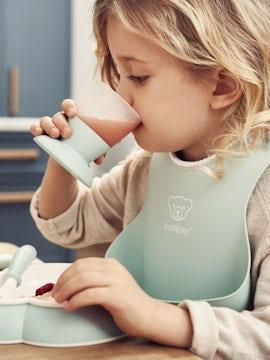 Baby Dinner set in Powder Green BPA-free plastic - BABYBJÖRN