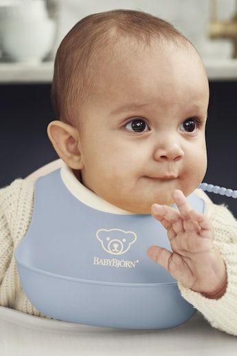 Feeding Bib Set 2-pack, Powder Blue - BABYBJÖRN