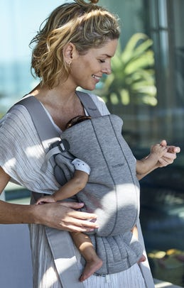 Baby Carrier Mini in Light Gray soft 3D Jersey - BABYBJÖRN