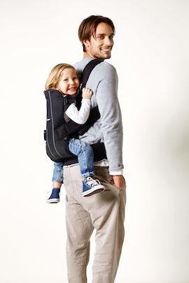 Choosing An Ergonomic Baby Carrier Babybjorn