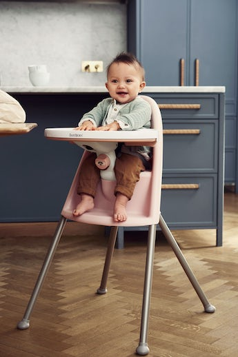 High Chair in pink and gray, comfortable, ergonomic and safe - BABYBJÖRN