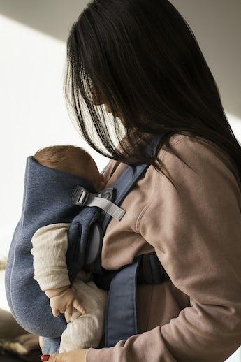 Porte-bébé Mini Bleu Ardoise en Jersey 3D - BABYBJÖRN