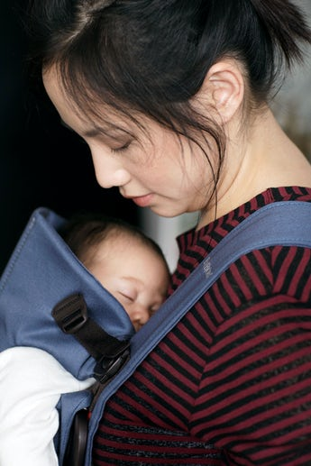 Porte-bébé Mini Bleu Indigo en Cotton - BABYBJÖRN