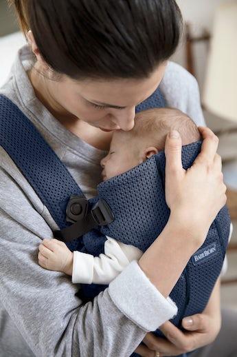 Porte-bébé Mini Bleu Marine en Mesh 3D - BABYBJÖRN