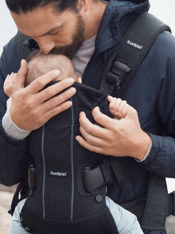 Porte-bébé One Air Noir en Mesh 3D - BABYBJÖRN