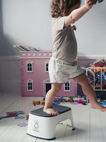 BABYBJÖRN Step Stool in White