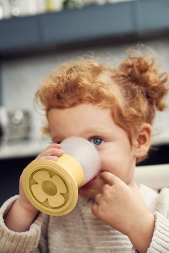 babybjorn-verre-pour-bebe-lot-de-2-jaune-pastel-002