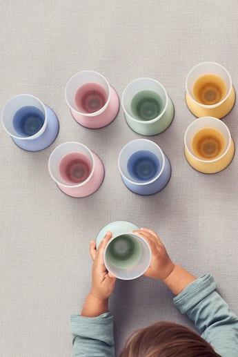 babybjorn-verre-pour-bebe-lot-de-2-rose-vert-bleu-jaune-pastel-003