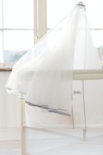 babybjorn-voilage-pour-berceau-blanc-mesh-042021-002