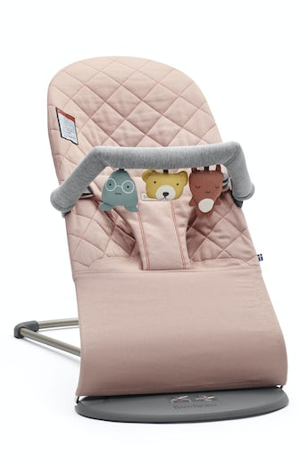 Bouncer Bliss Old Rose in quilted cotton with cute toy combined - BABYBJÖRN