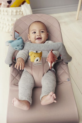 Bouncer Bliss in Old Rose quilted Cotton and toy Soft Friends - BABYBJÖRN