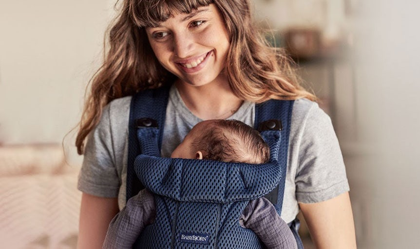 Baby Carrier Free in navy blue mesh