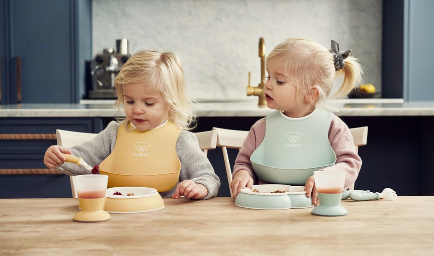 Baby Dinner set in soft and fresh colours and BPA-free plastic - BABYBJÖRN