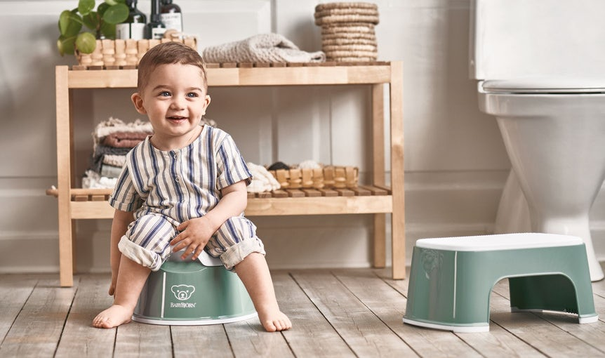 Potty and stepstool in a clever design for kids - BABYBJÖRN