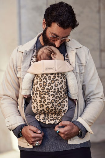 Baby Carrier Mini Beige/Leopard Cotton - BABYBJÖRN
