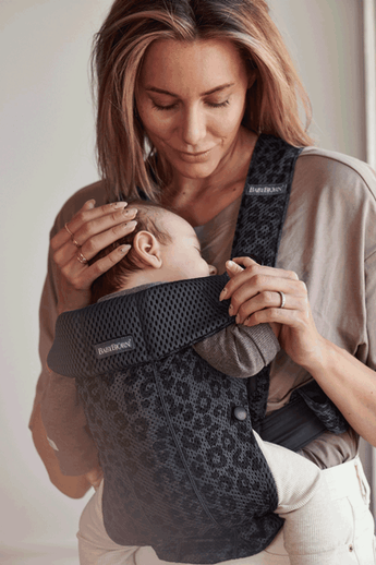 Baby Carrier Mini Anthracite/Leopard in 3D Mesh - BABYBJÖRN