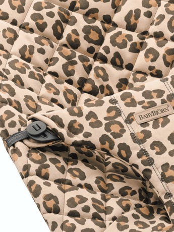 Extra fabric seat for Bouncer Bliss in Beige/Leopard Cotton - BABYBJÖRN