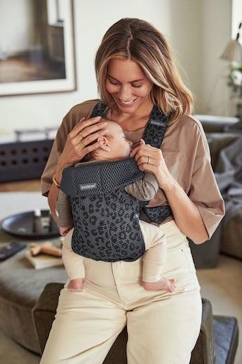 Porte-bébé Mini Anthracite/Léopard en Mesh 3D - BABYBJÖRN