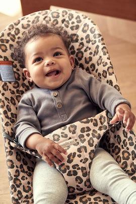 Baby Bouncer Bliss in Beige Leopard Cotton - BABYBJÖRN